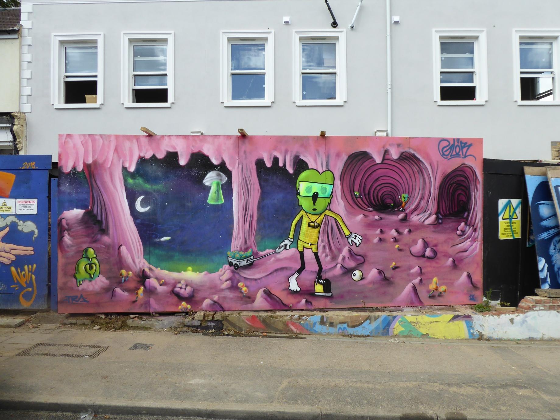 New glor street art in penge